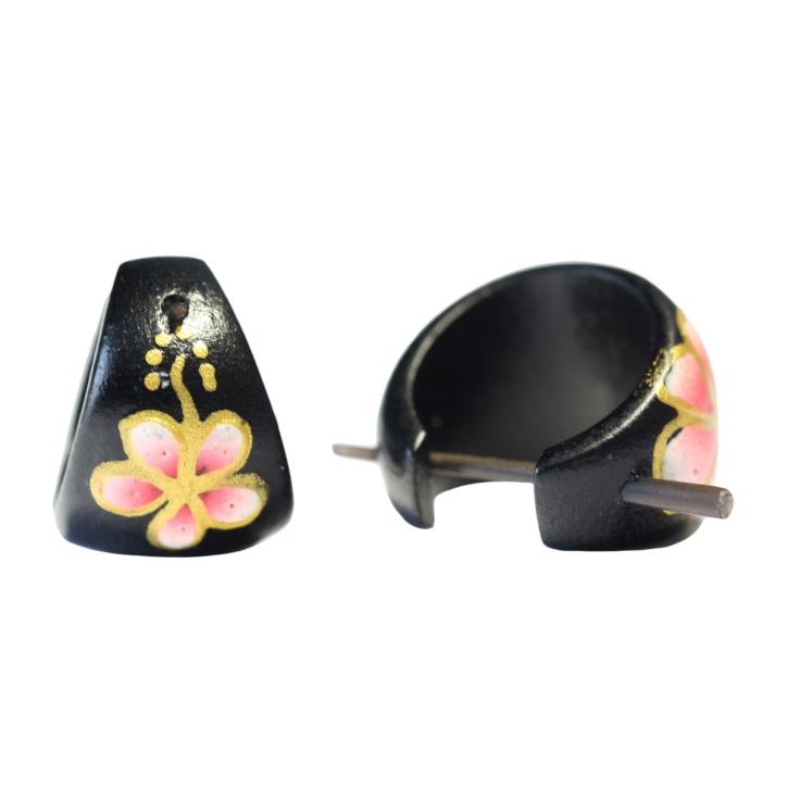 Holzohrstecker mit Hibiskus-Blüte golden